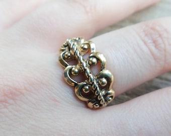 Vintage Gold Metal Scroll Filigree, Gold Retro Ring Size 7
