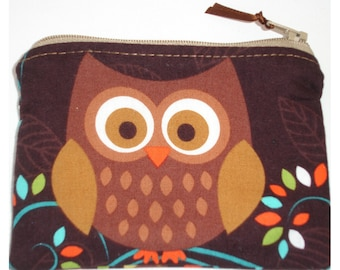 Tawny Brown Owl Zippered Coin Purse