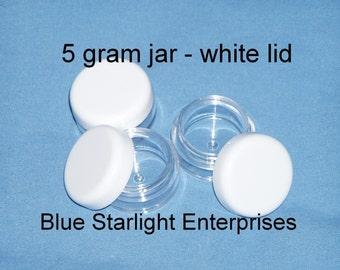 100 - 5 gram jars for makeup samples, bead storage, paint, etc.. white lids  item 305N