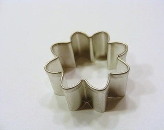 Mini Daisy 1.75 inch Cookie Cutter