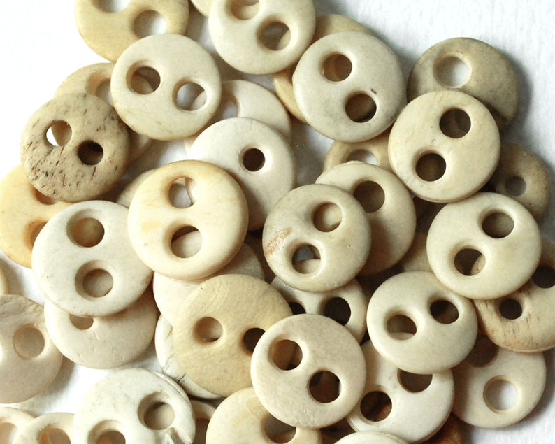 Patchwork Home Decoration Wooden Buttons Carved Tree Series 2 Holes Sewing