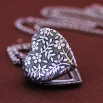 Forget Me Not - Tiny Heart Locket - Silver Edition