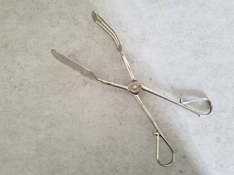 Vintage Pierced Pastry Tongs Pierced Pie Server Silver Plated Dessert Server with Handles Ornate Silverplated Server