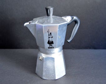 Bialetti Moka Express Stovetop Espresso Maker -Made in Italy - Large 6-cup Classic Aluminum Pot