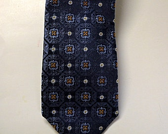 Vintage Blue  Silk Mens Necktie  Mens Dress Neckwear  Mint Condition