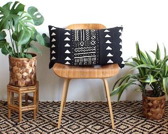 Black Triangle Mudcloth Lumbar Pillow, African Mud Cloth, Black and White Pillow, Modern Pillow, 15x25, Bohemian Decor, Geometric