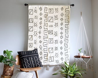 Storyteller 1 - White Mudcloth Tapestry, Large Wallhanging, African Mudcloth Wall Hanging, Geometric Tassel Throw Tapestry, Bohemian Home