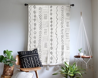Storyteller 3 - White Mudcloth Tapestry, Large Wallhanging, African Mudcloth Wall Hanging, Geometric Tassel Throw Tapestry, Bohemian Home