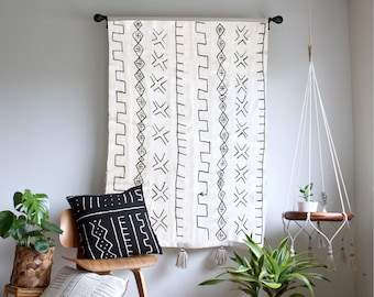 Storyteller 2 - White Mudcloth Tapestry, Large Wallhanging, African Mudcloth Wall Hanging, Geometric Tassel Throw Tapestry, Bohemian Home