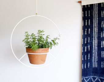 White Hanging Planter, Metal Plant Hanger, Mid Century Plant Holder, Modern Planter, Circular Round Hanging Planter, Minimalist Plant Stand