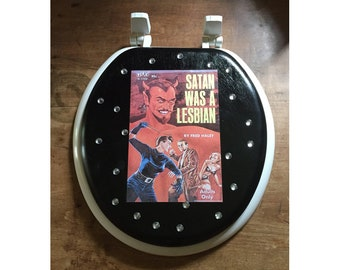 Lesbian pulp toilet seat retro vintage paperback pin up girl kitsch