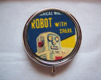 retro robot pill box vintage 1950s tin toy kitsch vitamin case