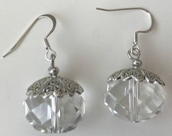 Handmade clear crystal round shaped earrings
