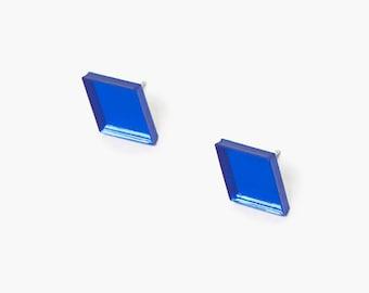 Diamond shape earrings // 925 silver stud earrings