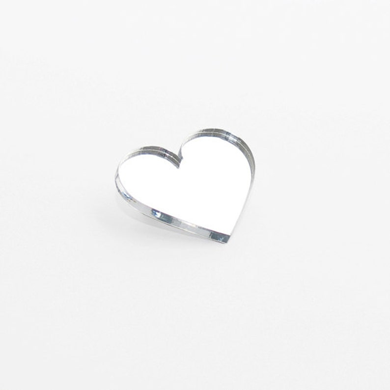 Heart brooch // 4 Colors image 0