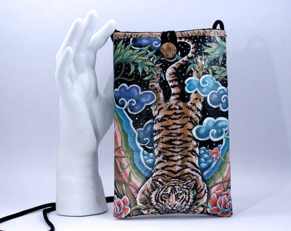 Vertical Tiger - Phone Bag