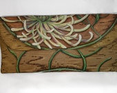 Chrysanthemum Wallet Clut...