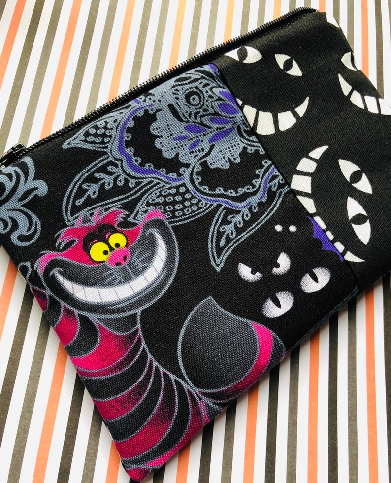 Cheshire Cat Zipper Pouch: Alice in Wonderland Trick or image 0