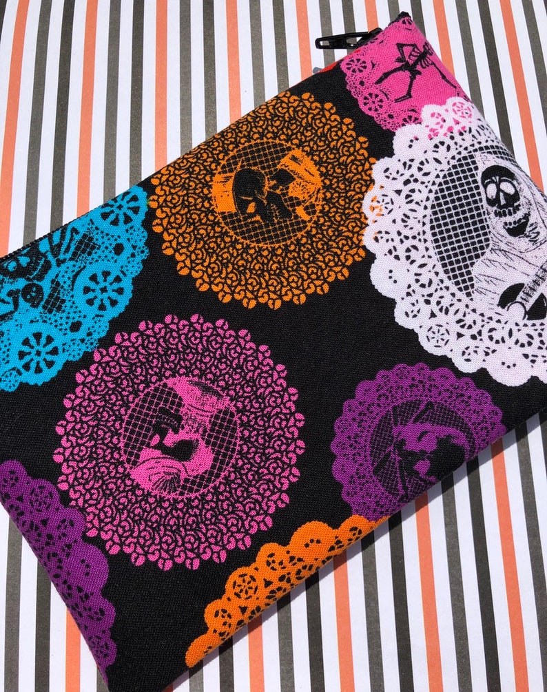 Skeleton Doilies Zipper Pouch  Skulls Guitars Day of the image 0