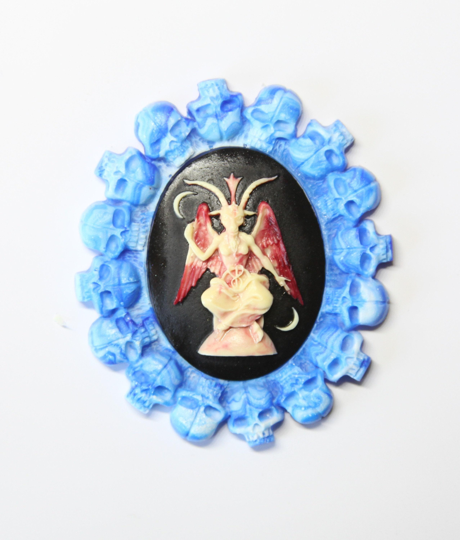 Un Baphomet d'un minder genre aiguille / aiguille garder garder aiguille / Stitcher cadeau / Halloween crazy divinité baphomet occulte chèvre sabbatique d7c86a