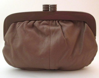823ca3e77c66 Leather Makeup Bag