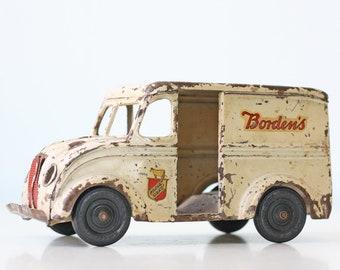 Vintage Dairy Truck, Bordens, Kingsbury Milk Truck