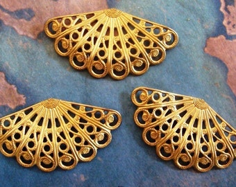 Dapped Jewelry Finding 2 PC Raw Brass Filigree Drop Petal M0283