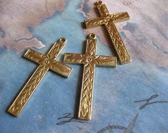 1 PC Solid Brass Floral Cross Pendant - D0077