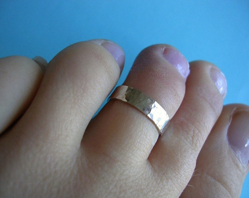 Silver Toe Ring  4mm Flat with shimmer finish image 0