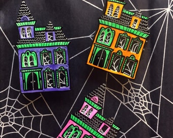 3D Haunted House Brooch / Halloween Goth Pin
