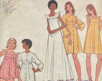 Misses' Gown and Bathrobe Sewing Butterick 3160 Size 14 Bust 36 Inches Partially cut Complete