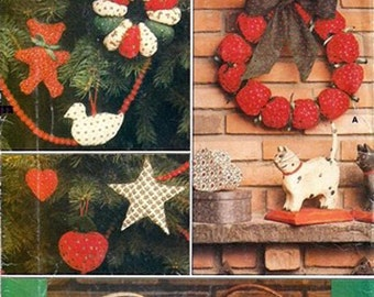 Christmas Wreaths, Ornaments, and Tree Skirt Sewing Pattern  Vogue 9073  Uncut Complete