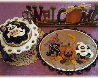 HAPPY HAUNTING Candle Mat Kit, Penny Rug Kit, Wool Felt Applique Kit, Fall Pin Cushion Kit, Prim Wool Felt Kit, Merino Wool Candle Mat Kit
