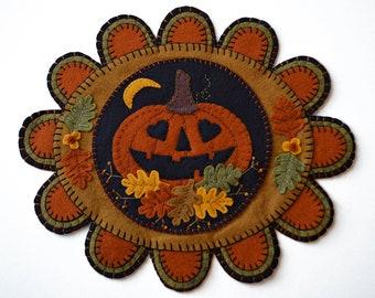 FALLING IN LOVE Fall Wool Applique Kit Pumpkin Wool Applique Penny Rug Kit Halloween Applique Kit Embroidery Wool Applique Pattern Kit