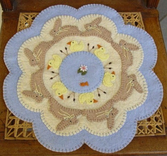 "Wool Felt Candle Mat Penny Rug Kit /""DRAGONFLIES/"" Applique Wool Embroidery Kit"