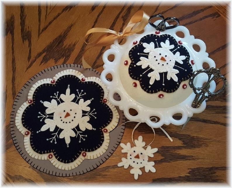 Mini Mat Pin Cushion Ornie Kit Penny Rug Kit Winter Snowman image 0