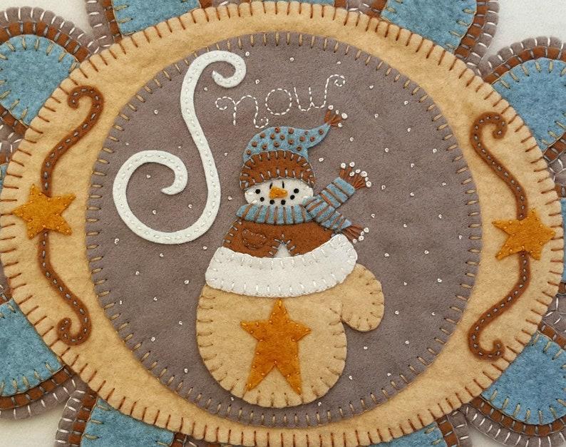 DIY Felt Crafts Warm Woolen Wool Felt Penny Rug Kit Wool Applique Kit Christmas Embroidery Kit Felt Candle Mat Kit Snowman Applique Kit
