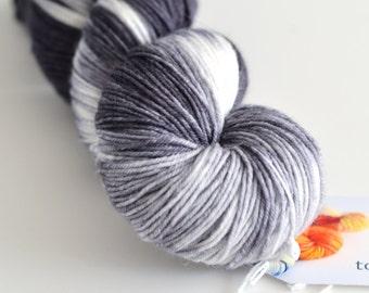 Fingering Hand Dyed Yarn - Superwash Merino / Nylon - 463 yards - Rorschach