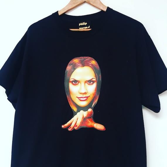 Pointy Posh Spice T-Shirt by Jock Mooney czHcWWEB