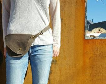 Belt Bag in Earthy Brown Waxed Canvas : Fanny Pack, Vegan Hip Bag