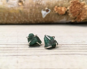 EMERALD Raw Rough MAY Birthstone Earrings, Simple and Elegant, Gift for Teenager, Gift for BFF, Gift for girlfriend, Raw Stone Earrings