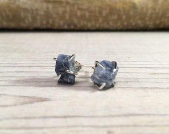 SAPPHIRE Rough SEPTEMBER Birthstone Earrings, Simple and Elegant, Gift for Teenager, Gift for BFF, Gift for girlfriend, Raw Stone Earrings