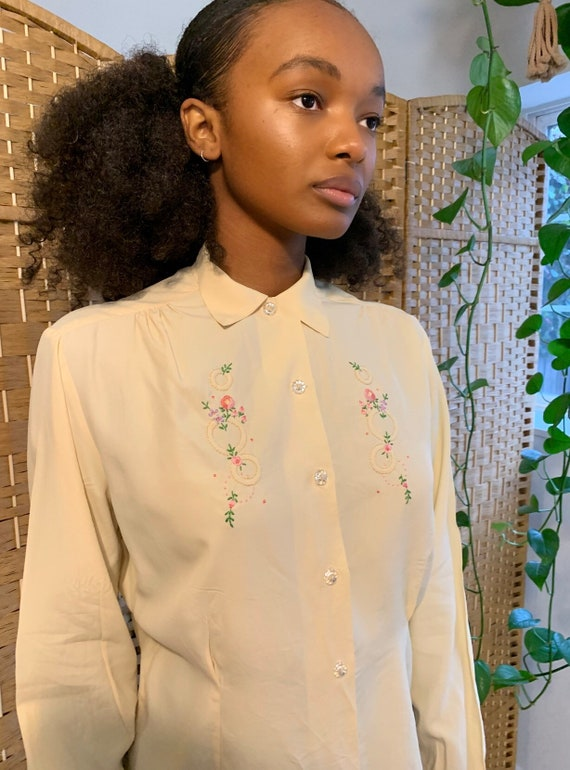 40's cold rayon embroidered blouse