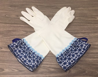 ea73082ce329 Coastal Chic White Latex Free Cleaning Gloves. Size Small