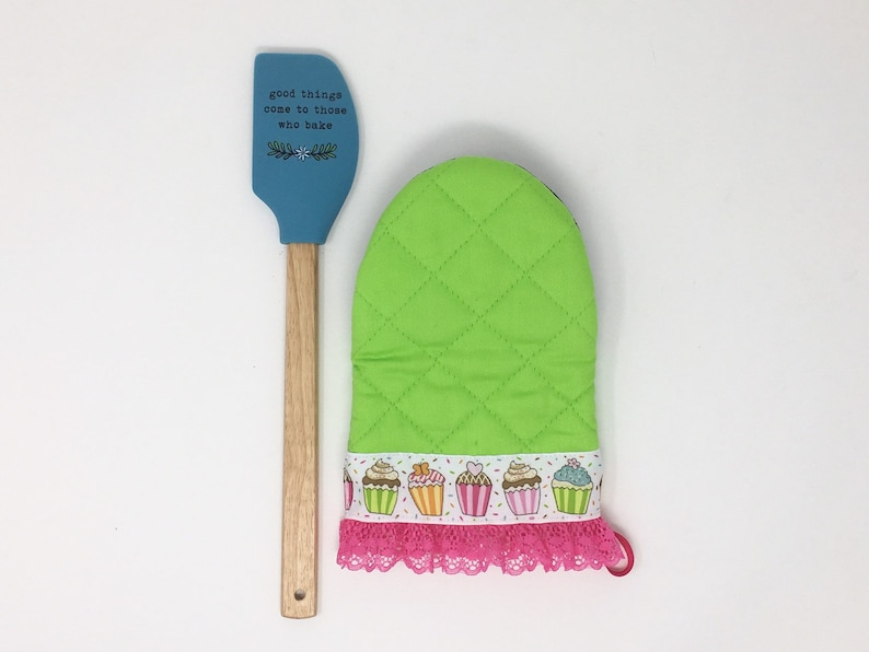 Cupcake Mini Oven Mitt with Neoprene Palm. Fancy Green Kitchen image 0