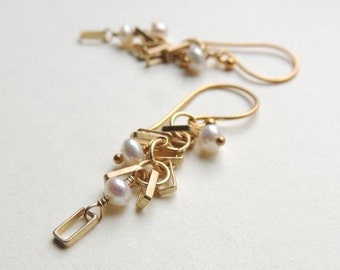 Del Mar Earrings with White Freshwater Pearl and Matte Gold Geometric Modern Summer Fashion