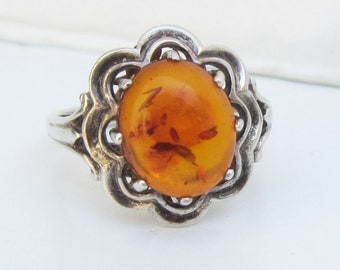 Sterling Silver and Genuine Amber Flower Ring - Size 7 1/2      2714