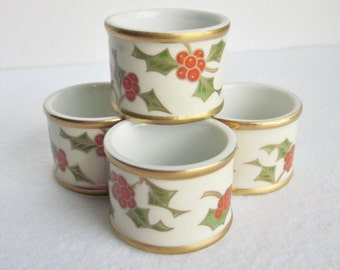 Vintage Fitz and Floyd Christmas Holly Porcelain Napkin Rings, Holiday Napkin Holders, Gold Red and Green Napkin Rings, Holly Berry Decor