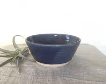 Vintage bol en faïence, poterie à la main Vintage, belle poterie belle mamans jour idée cadeau, bol émaillé brillant bleu