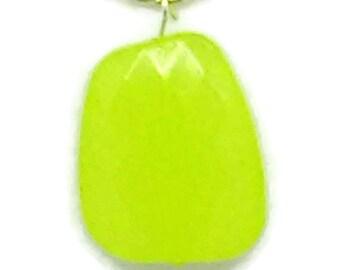 Yellow-Green Irregular Square Pendant Necklace